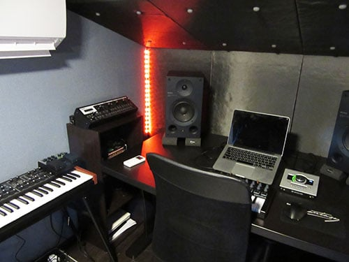 DAWスタジオの収録ブース