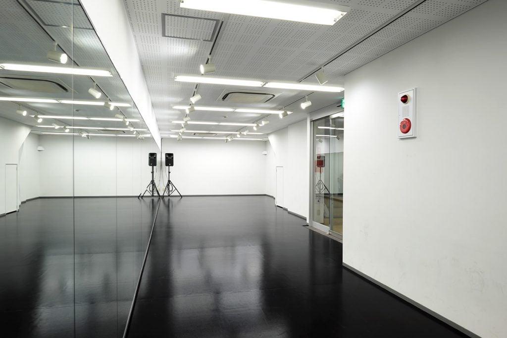 ダンススタジオ3