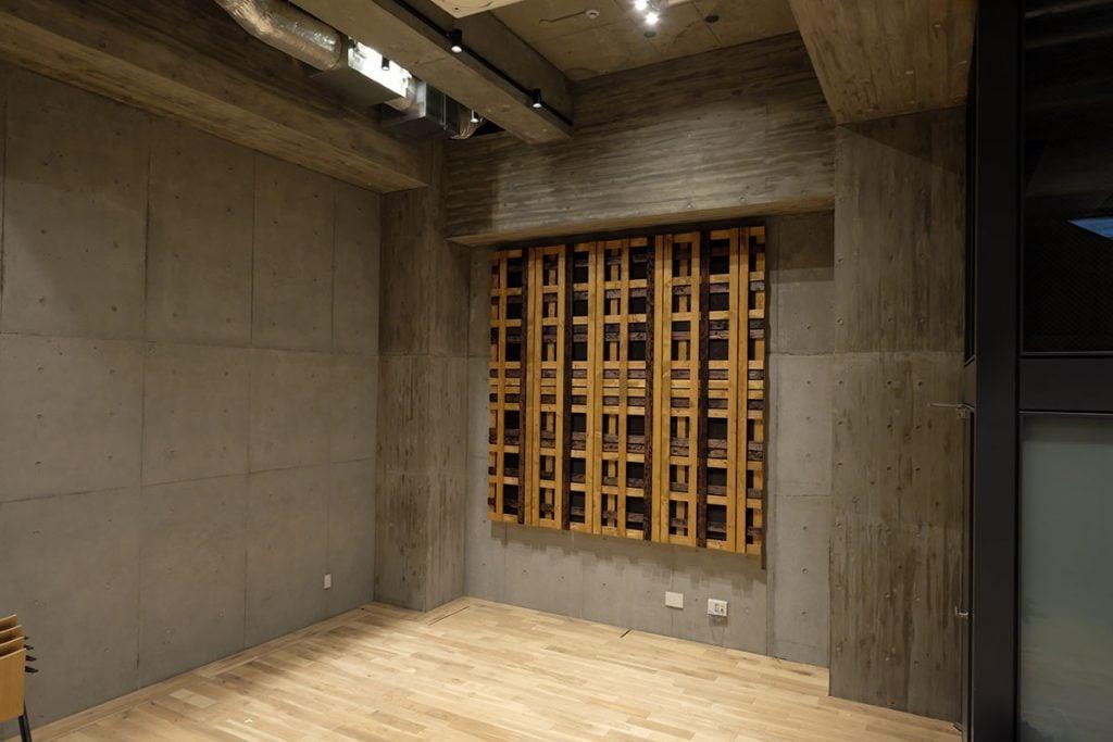 ホールの吸音パネル